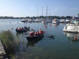 På Brännskär fick deltagarna ro med gamla träbåtar.
